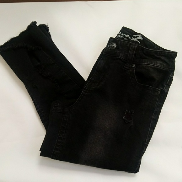 Seven7 Denim - Seven7 black ankle skinny distressed jeans, sz 8